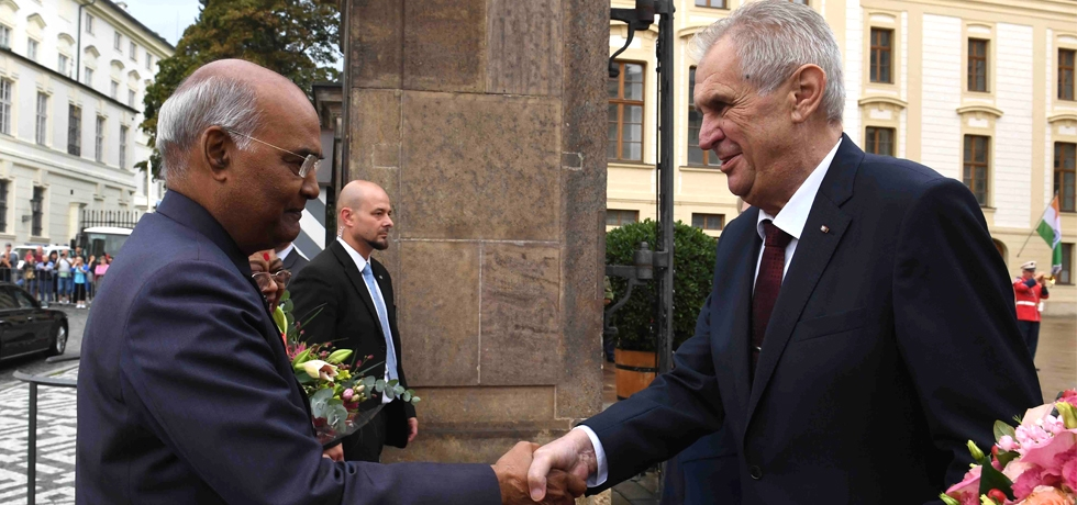 H.E. Mr. Miloš Zeman, President of the Czech Republic welcomes H.E. Mr. Ram Nath Kovind, President of India on his State visit to Czech Republic from 6-9 September, 2018