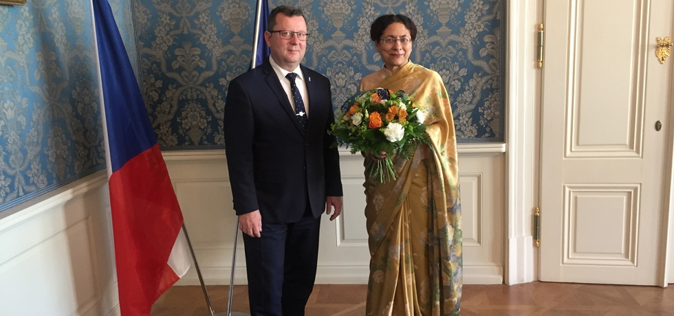 Ambassador  meets  H.E. Mr. Antonín Staněk, Minister of Culture on 8 October, 2018</span>